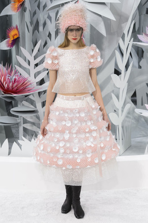 Показы мод Chanel Весна-лето 2015 | Подиум на ELLE - Подиум - фото 4233