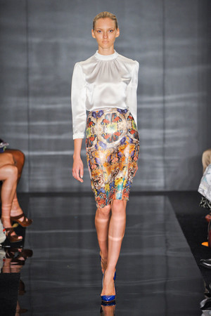 Показ Reem Acra коллекции сезона Весна-лето 2012 года Prêt-à-porter - www.elle.ru - Подиум - фото 297987
