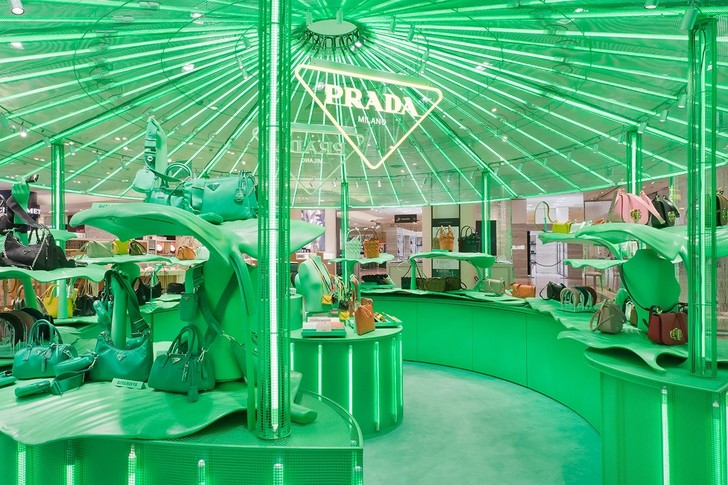 Поп-ап Prada в Париже (фото 6)