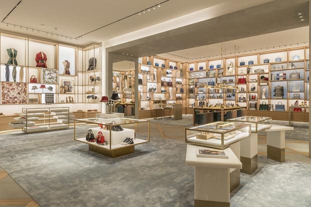 Новый бутик Dior на Елисейских полях (фото 4)