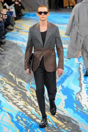 Показ Louis Vuitton коллекции сезона Осень-зима 2014-2015 года Men prêt-à-porter - www.elle.ru - Подиум - фото 573755