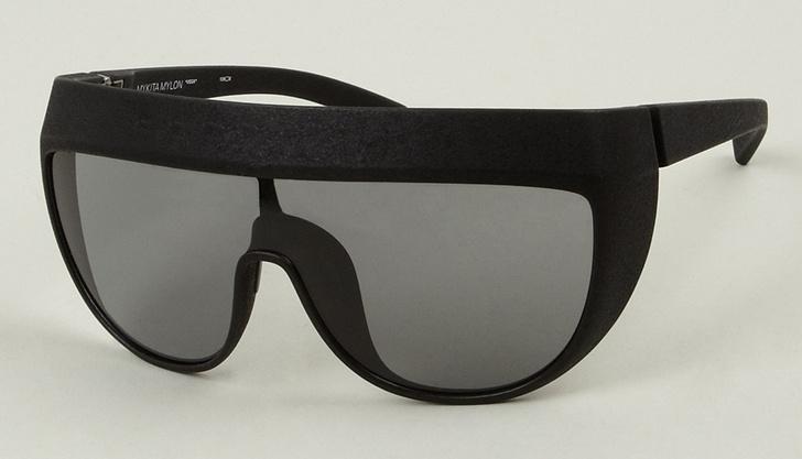 Солнцезащитные очки: черная оправа