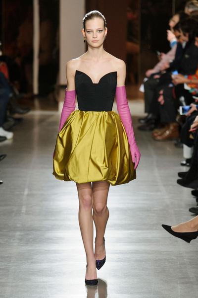 Показ Oscar de la Renta на Неделе моды в Нью-Йорке | галерея [1] фото [1]