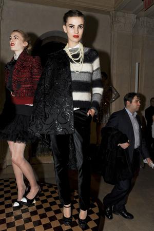 Показы мод Alice + Olivia Осень-зима 2011-2012 | Подиум на ELLE - Подиум - фото 2373