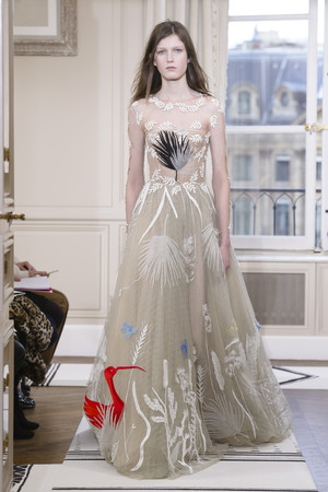 Показ Schiaparelli коллекции сезона Весна-лето 2018 года Haute couture - www.elle.ru - Подиум - фото 671311