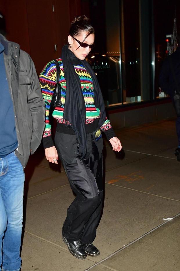 С чем носить ugly-свитер этой зимой? Отвечает Белла Хадид (фото 1)