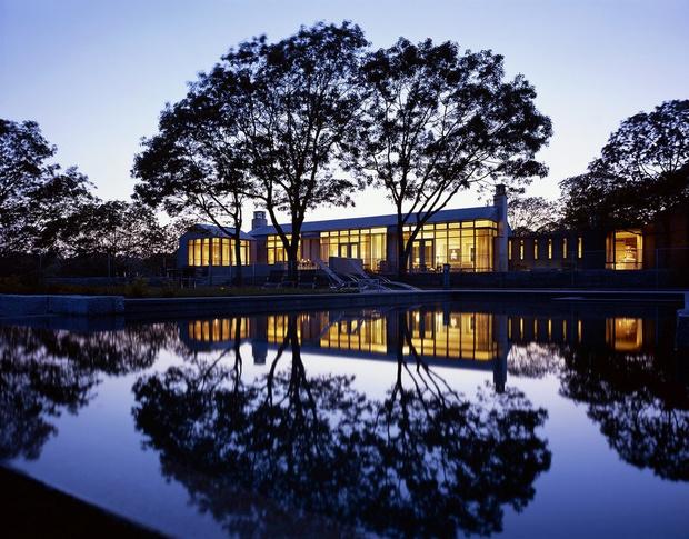 Летняя резиденция Барака Обамы выставлена на продажу (фото 13)