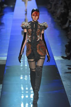 Показ Jean Paul Gaultier коллекции сезона Осень-зима 2009-2010 года Haute couture - www.elle.ru - Подиум - фото 87912