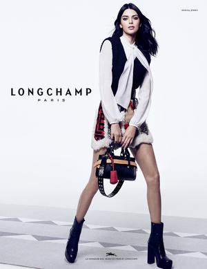 Кендалл Дженнер с главной сумкой сезона в новой рекламной кампании Longchamp (фото 1.1)