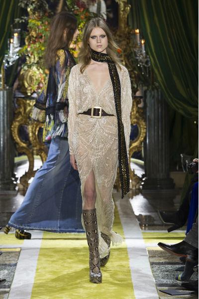 Самые красивые образы Недели моды в Милане   галерея [1] фото [33]