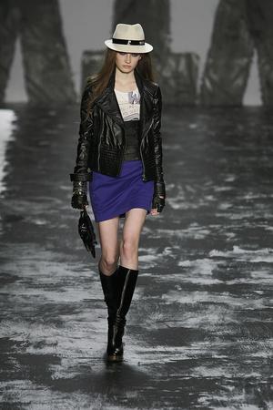 Показ Miss Sixty коллекции сезона Осень-зима 2009-2010 года prêt-à-porter - www.elle.ru - Подиум - фото 91188