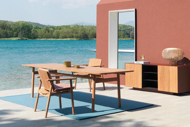 Топ-10: обеденные столы для дачи и сада (фото 0)