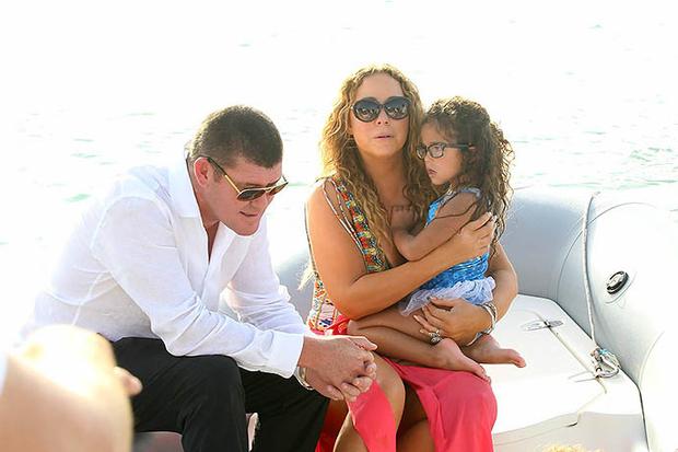 Джеймс Пэкер и Мэрайя Кэри с дочерью Монро