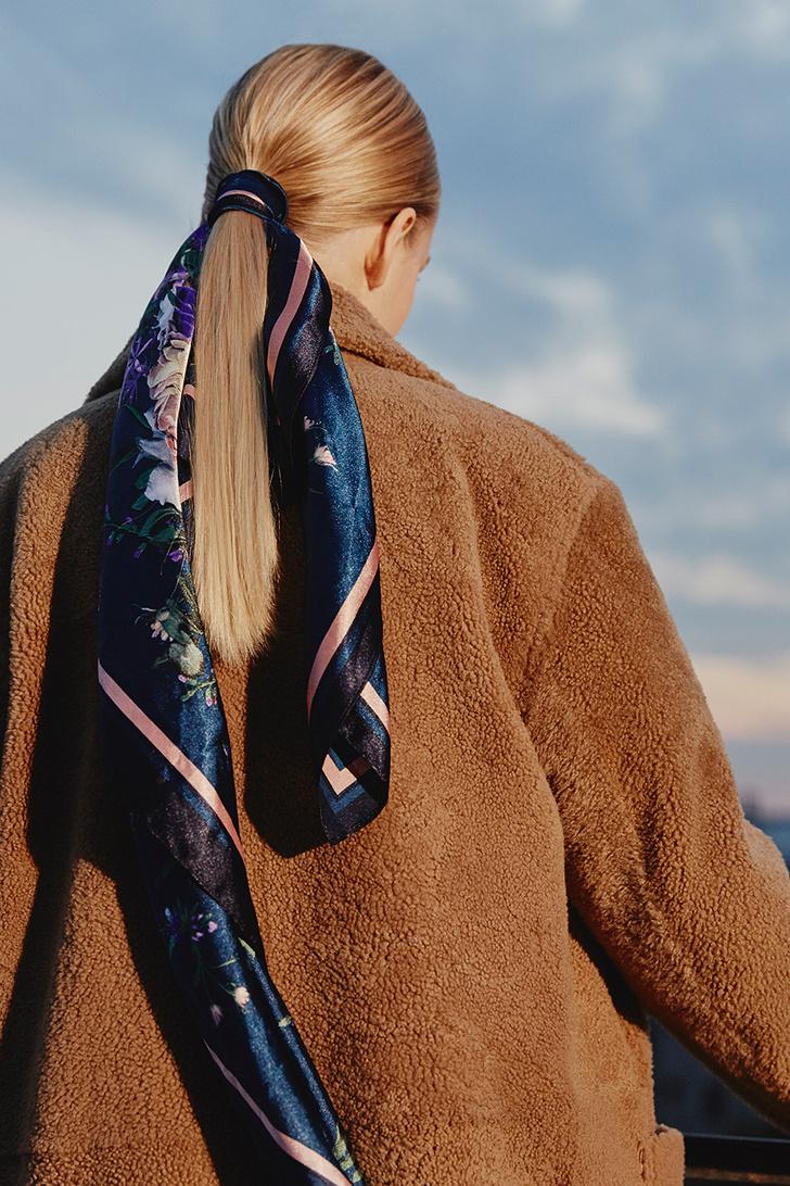 Модный аксессуар: 10+ осенних образов с шелковым платком фото [4]