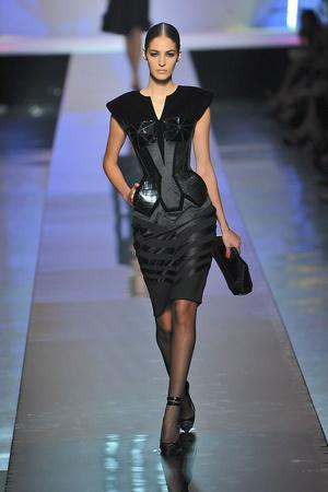 Показ Jean Paul Gaultier коллекции сезона Осень-зима 2009-2010 года Haute couture - www.elle.ru - Подиум - фото 87921