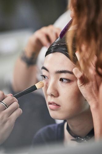 Как повторить макияж с показа Giorgio Armani Privé