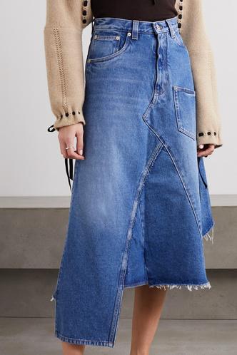 Всего одна юбку на весну — джинсовая миди, как носили наши мамы (фото 7.1)