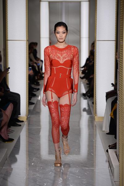Дебютный показ La Perla на Неделе высокой моды в Париже | галерея [1] фото [1]
