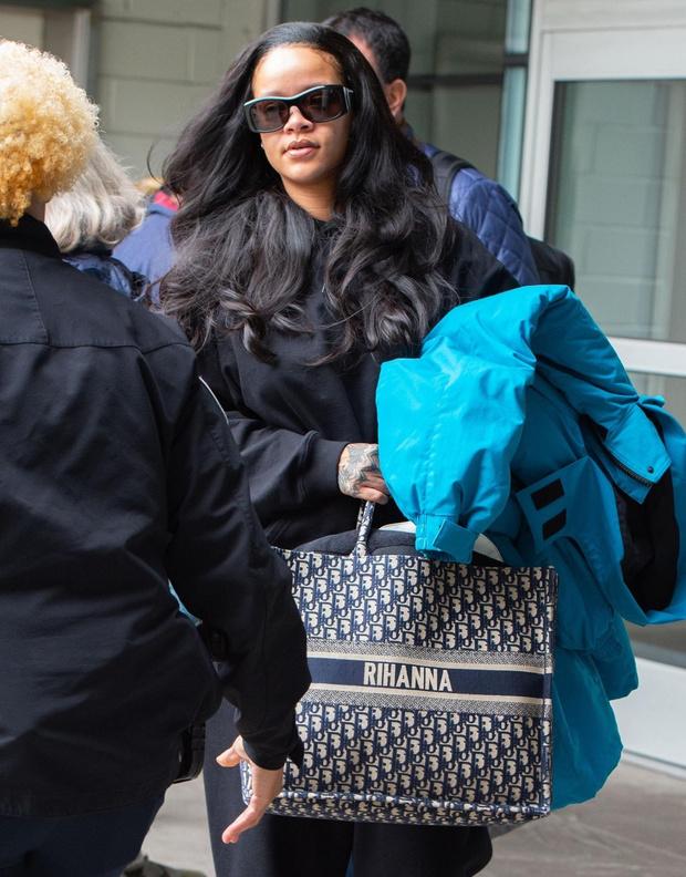 Какую одежду и сумку выбрать для перелетов? Мастер-класс Рианны (фото 3)