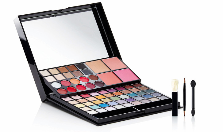 Avon Master collection make-up palette