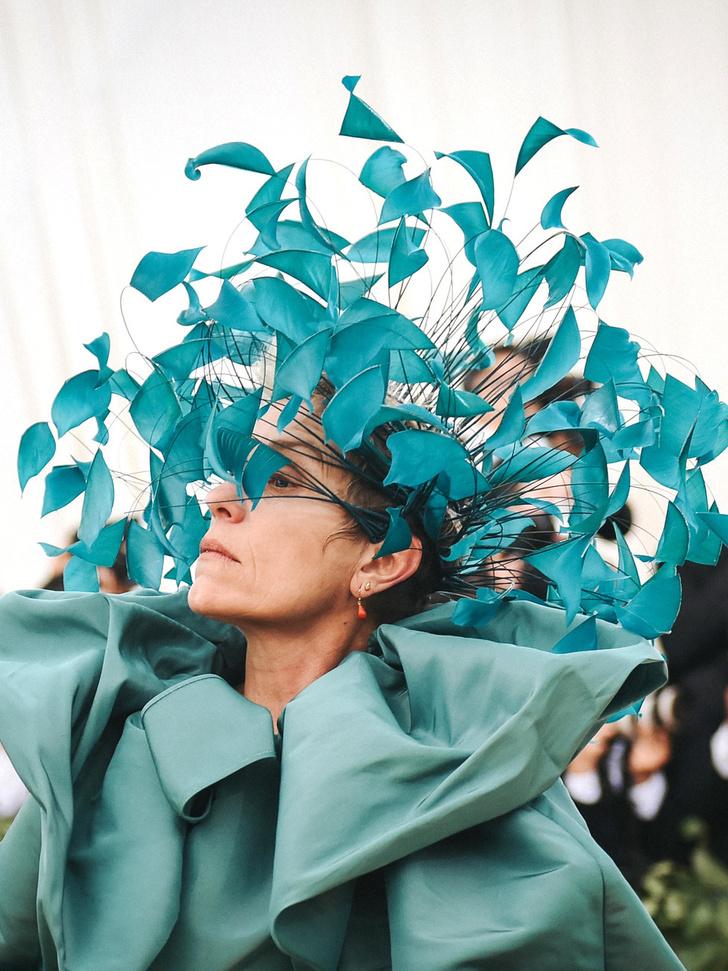 10 шляп Philip Treacy, которые войдут в историю (фото 16)