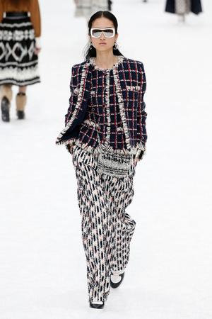 Последний показ эры Карла: Chanel RTW Fall 2019 (фото 4.2)