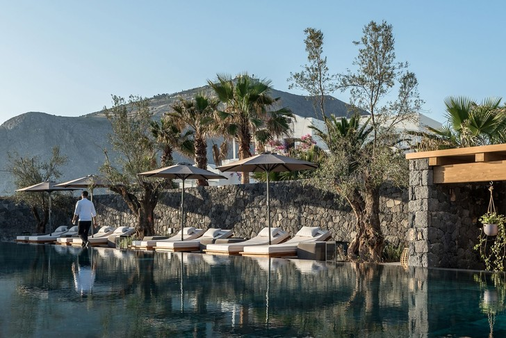 Новый бутик-отель ISTORIA на Санторини (фото 1)