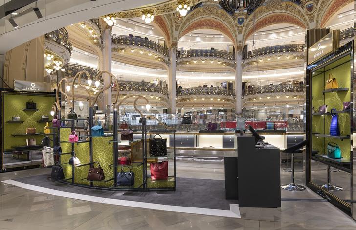 Pop up бутик Ethan K в Galeries Lafayette от Хуана Пабло Молино (фото 6)