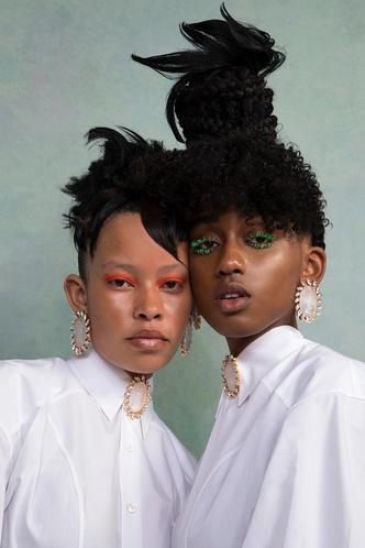 Рианна посвятила коллекцию украшений Fenty темнокожим женщинам (фото 2.1)
