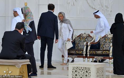 Что надеть в мечеть? Выбор Брижит Макрон — белоснежный костюм Louis Vuitton | галерея [1] фото [3]