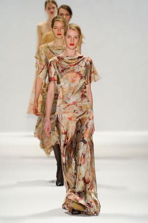 Показ Tadashi Shoji коллекции сезона Осень-зима 2012-2013 года Prêt-à-porter - www.elle.ru - Подиум - фото 335743