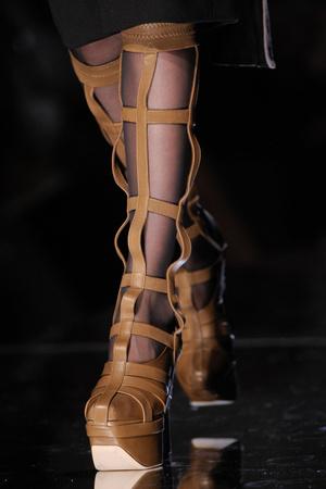 Показ Jean Paul Gaultier коллекции сезона Осень-зима 2012-2013 года Haute couture - www.elle.ru - Подиум - фото 404715