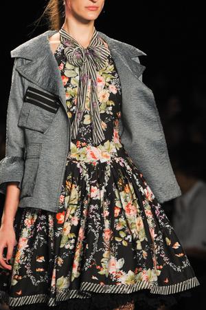Показ Anna Sui коллекции сезона Весна-лето 2013 года Prêt-à-porter - www.elle.ru - Подиум - фото 424162