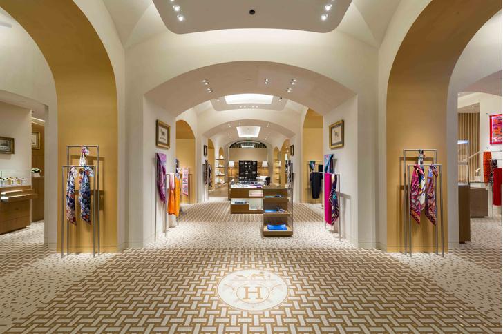 В Москве открылся один из самых больших бутиков Hermès в мире