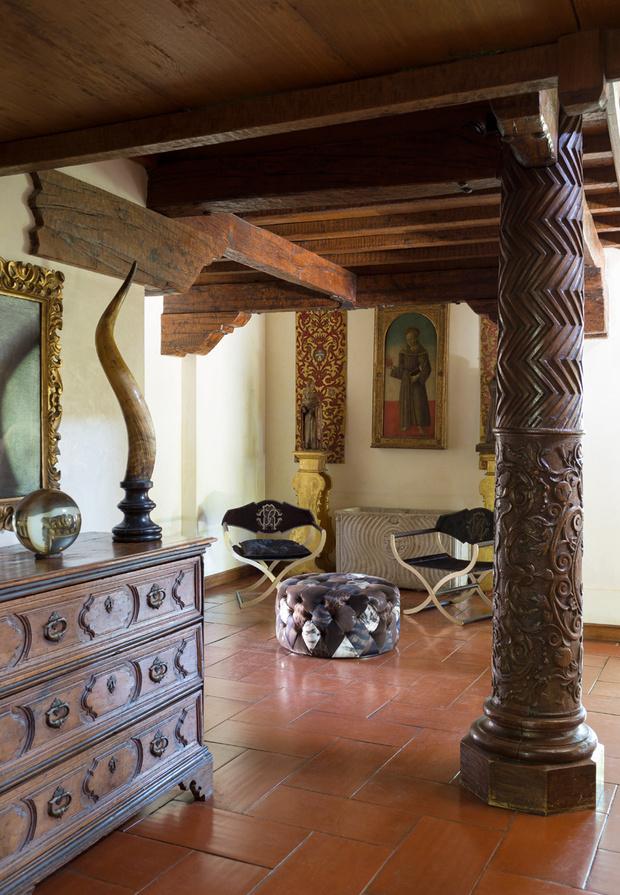 Холл. Кресла Marcella, пуф, Roberto Cavalli Home.