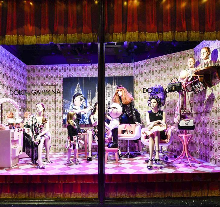 Dolce & Gabbana украсили витрины британского Harrods к Рождеству фото [7]