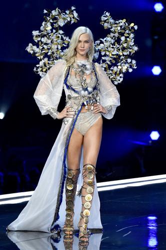 Триумфальное возвращение одного из легендарных «ангелов» Victoria's Secret (фото 1)