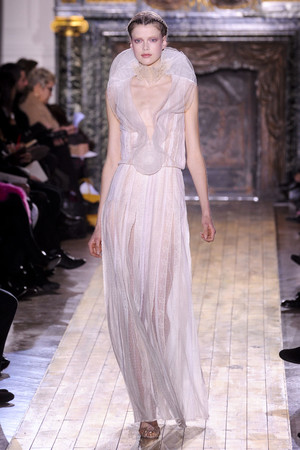 Показ Valentino коллекции сезона Весна-лето 2011 года Haute couture - www.elle.ru - Подиум - фото 217291