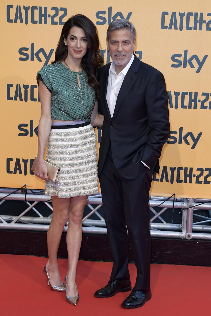 Неожиданно: кроп-топ Амаль Клуни на премьере в Риме (фото 3)