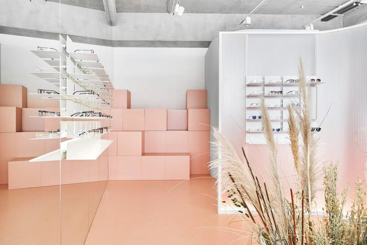 Розовый магазин оптики в Санкт-Петербурге (фото 6)