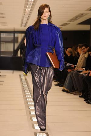 Показ Balenciaga коллекции сезона Осень-зима 2012-2013 года Prêt-à-porter - www.elle.ru - Подиум - фото 374598