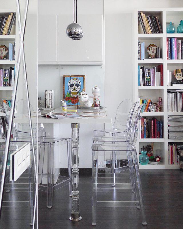Прозрачные стулья в интерьере: 25+ примеров (галерея 1, фото 4)