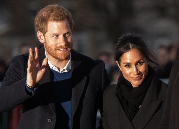 Королева Елизавета II официально одобрила брак принца Гарри и Меган Маркл (фото 1)