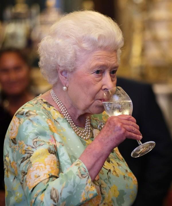 Фото №13 - Королевский бутерброд, и что еще стоит знать о Елизавете II