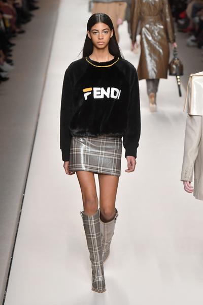 В Милане прошел показ Fendi (галерея 1, фото 2)