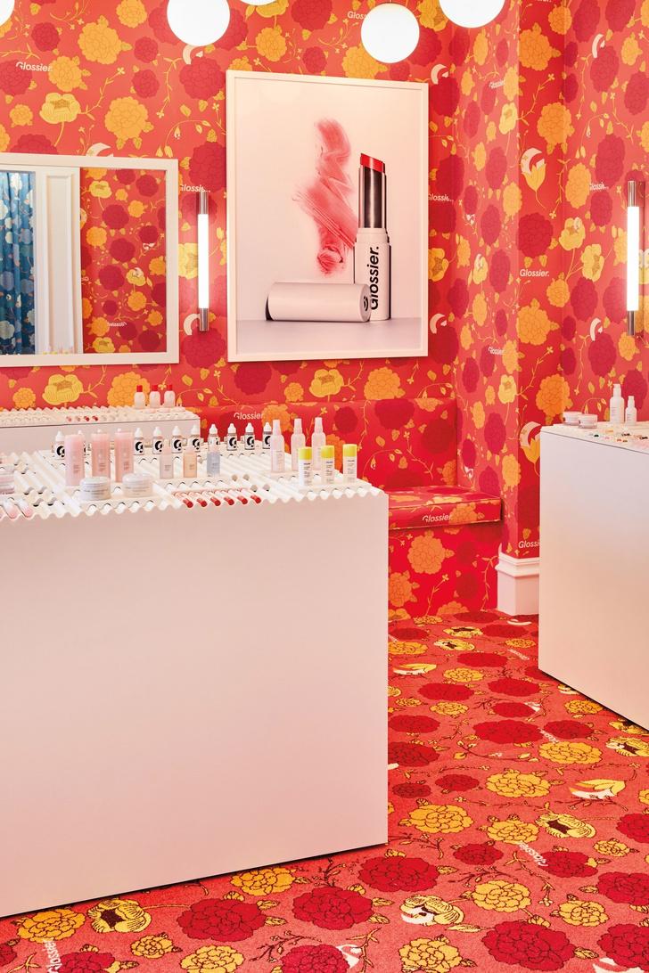 Цветы и помады: первый pop-up бутик Glossier в Лондоне (фото 5)