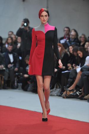 Показ Alexis Mabille коллекции сезона Весна-лето 2010 года haute couture - www.elle.ru - Подиум - фото 137911