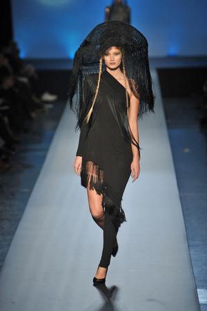 Показ Jean Paul Gaultier коллекции сезона Весна-лето 2010 года Haute couture - www.elle.ru - Подиум - фото 139021