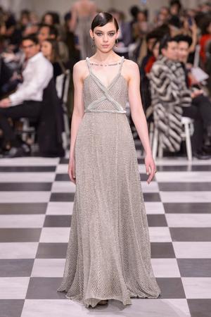 Показ Dior Haute Couture коллекции сезона Весна-лето 2018 года haute couture - www.elle.ru - Подиум - фото 673261