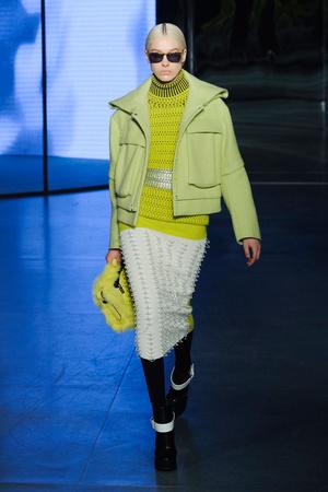 Показы мод Kenzo Осень-зима 2014-2015 | Подиум на ELLE - Подиум - фото 4004